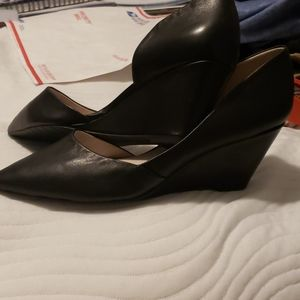 Kenneth Cole New York Black Wedge Sz 10M